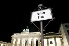 Free Pariser Platz In Berlin At Night Royalty Free Stock Photos - 16365778