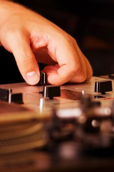 Free Hand Of A Dj Adjusting The Crossfader Stock Photography - 16367392