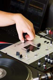 Free Hand Of A Dj Adjusting The Crossfader Royalty Free Stock Photo - 16367405