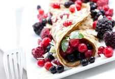 Free Crepe With Mixed Berry Stock Photography - 16367682