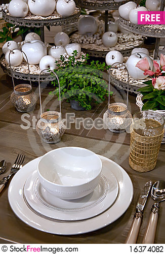 Free Seasonal Table Stock Photography - 16374082