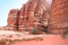 Free Huge Cliff Of Khazali Canyon In Wadi Rum, Jordan Royalty Free Stock Photography - 16371157