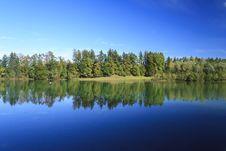Free Lake In Autumn Royalty Free Stock Photo - 16372085