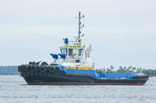 Free Blue And Yellow Tugboat 2 Stock Photography - 16372822