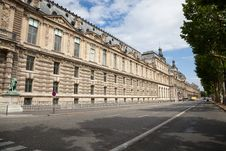 Free Louvre Museum Facade Royalty Free Stock Images - 16373239