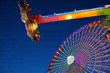 Free Ferris Wheel And Carnival Ride Royalty Free Stock Images - 16375369