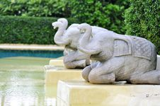 Free Three Elephents Sculpture Royalty Free Stock Image - 16384966