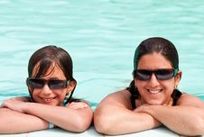 Free Daughter And Mother In A Swimming Pool Royalty Free Stock Photo - 16388675