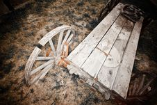 Free Old Broken Wagon. Stock Images - 16390884