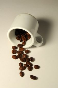Free Cup And Coffee Grain Stock Image - 16394001