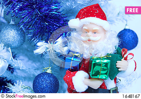 Free Santa Claus And Christmas Tree Royalty Free Stock Photography - 1648167