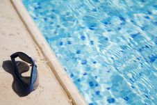 Free Glasses On A  Swimming-pool Edge Stock Photography - 1644652