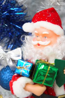 Free Santa Claus  And Christmas Tree Royalty Free Stock Image - 1648256