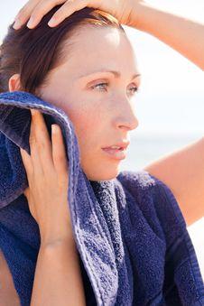 Free Beach Sport Towel Woman Royalty Free Stock Image - 16408356
