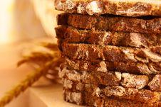 Free Fresh Crackling Bread Royalty Free Stock Photo - 16409735