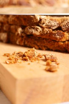 Free Fresh Crackling Bread Royalty Free Stock Photography - 16409747