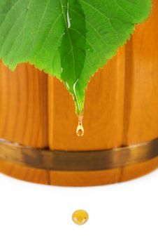 Free Wooden Barrel, Drop Of Honey And Leaf Linden Stock Images - 16411394