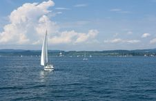 Free Yacht Sailing Royalty Free Stock Image - 16416026