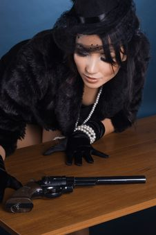 Free Lady With A Pistol In Hands Royalty Free Stock Photography - 16416207