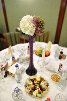 Free Wedding Table Royalty Free Stock Photo - 16423415
