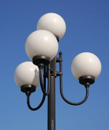 Free Street  Lamp In Form Of White Balls Royalty Free Stock Images - 16425909