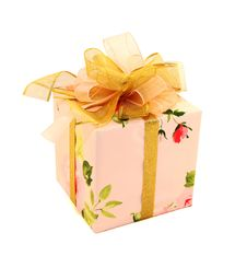 Free Pink Gift  With A Gold Bow Royalty Free Stock Photography - 16426277
