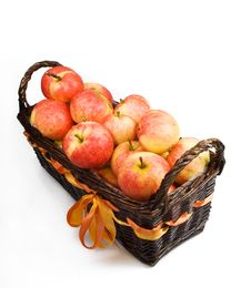 Free Basket With Apples Stock Image - 16429121