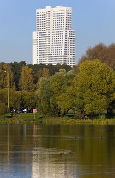 Free Park With Pond And Hight Rise Building Stock Photo - 16436300