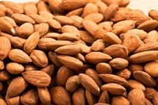 Free Shelled Almonds Stock Photography - 16436862