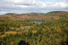 Free Mountain Lake Royalty Free Stock Images - 16439429