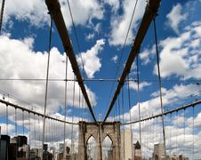 Free Road Above Brooklyn Bridge Royalty Free Stock Photos - 16442418