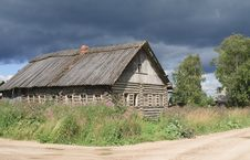 Free Old Broken Wooden House Stock Images - 16443294