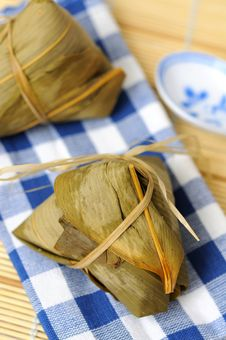 Free Two Rice Dumplings Royalty Free Stock Image - 16448416