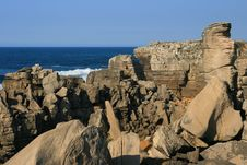 Free View On Rocks And Ocean Royalty Free Stock Photo - 16450665