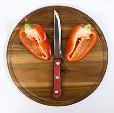 Free Red Pepper On Wooden Kitchen Board Royalty Free Stock Photos - 16450818