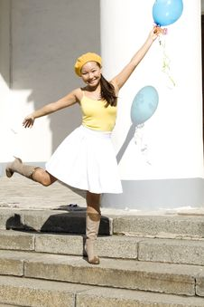 Free Girl Dancing With Baloon Royalty Free Stock Images - 16452569
