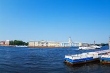 Monuments On The Opposite Cost Of The Neva River Royalty Free Stock Images