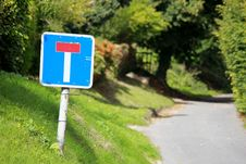 Free Dead End Signpost On A Country Lane Stock Image - 16459631