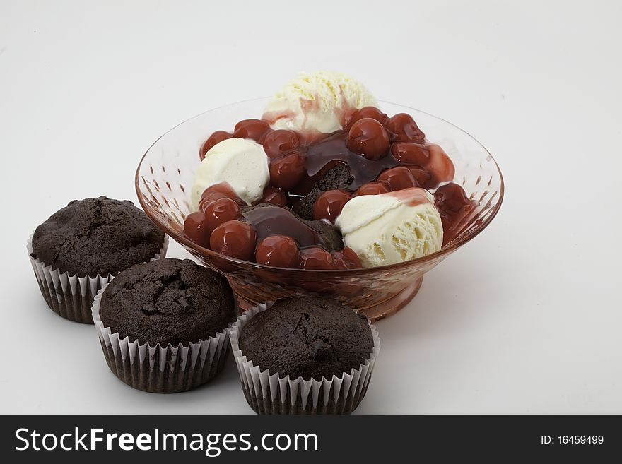 Chocolate cupcakes with ice cream