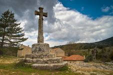 Free Old Stone Cross In Town Royalty Free Stock Image - 16461236