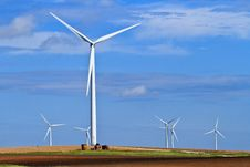 Free Wind Generators On Top Of A Hill Royalty Free Stock Photography - 16461587