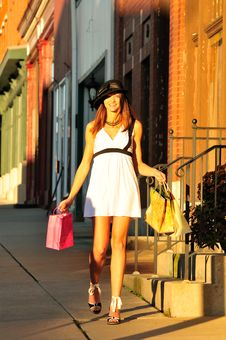 Free Pretty Woman Shopping Stock Image - 16461971