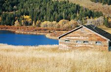Free Cabin By The Lake Royalty Free Stock Photography - 16463487