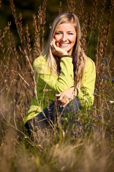 Free Caucasian Young Adult Blond Woman Outdoor Fall Tim Royalty Free Stock Photos - 16465528