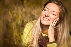 Free Caucasian Young Adult Blond Woman Outdoor Fall Tim Royalty Free Stock Photography - 16465747