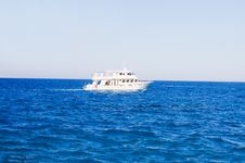 White Yacht In The Sea Royalty Free Stock Photos