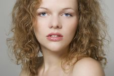 Free Young Woman With Curly Hairs Royalty Free Stock Photography - 16466217