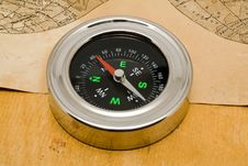 Free Compass With An Old Paper Royalty Free Stock Photos - 16466968