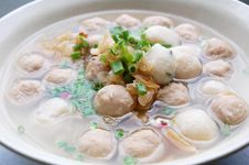 Free Meat And Fish Ball Soup Royalty Free Stock Photography - 16468267