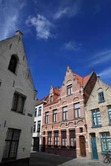 Free Houses And Street Corner In Bruges Stock Photo - 16470830